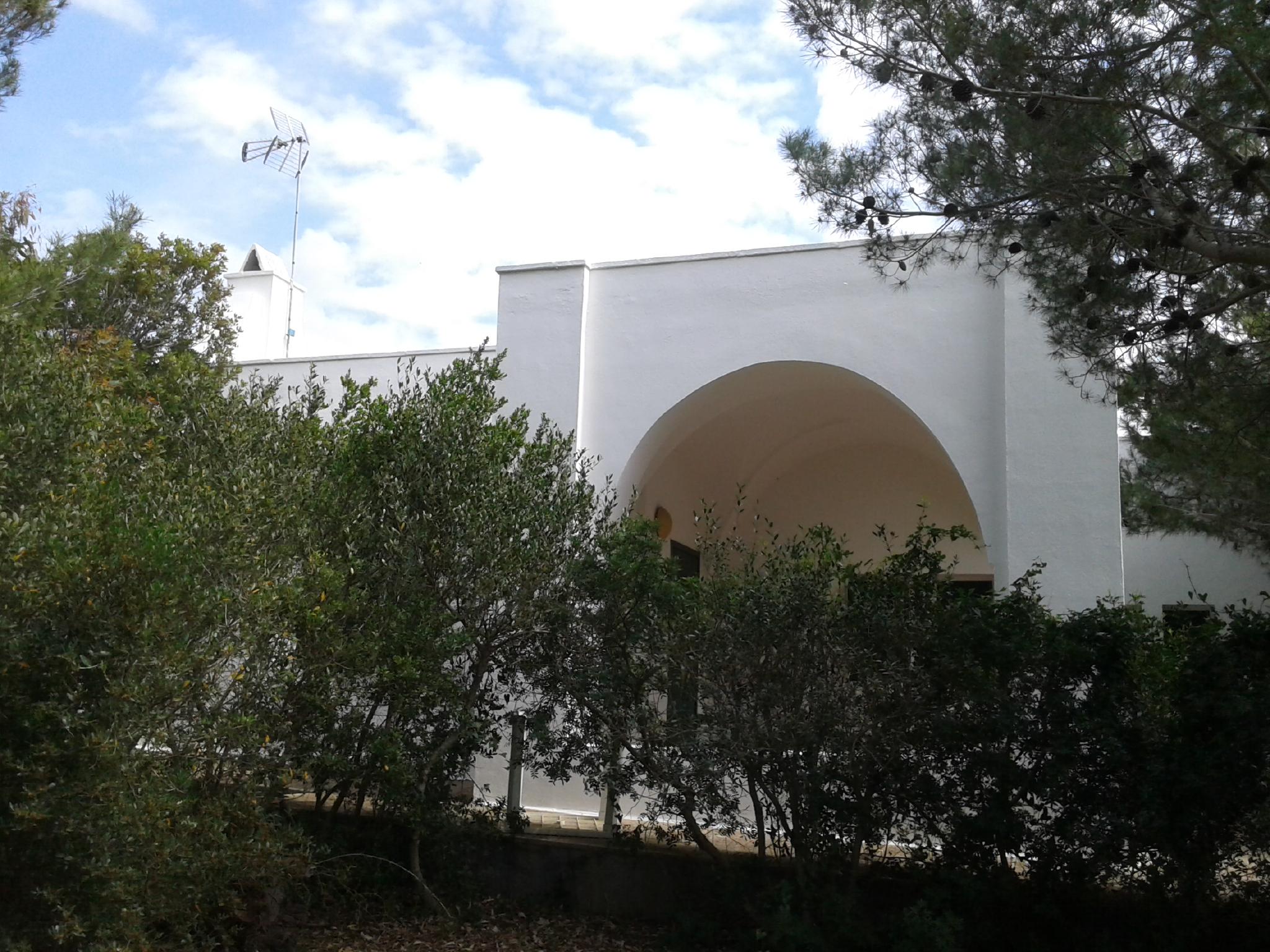 Villa in pineta in ottimo stato con vista mare (Lido Marini)