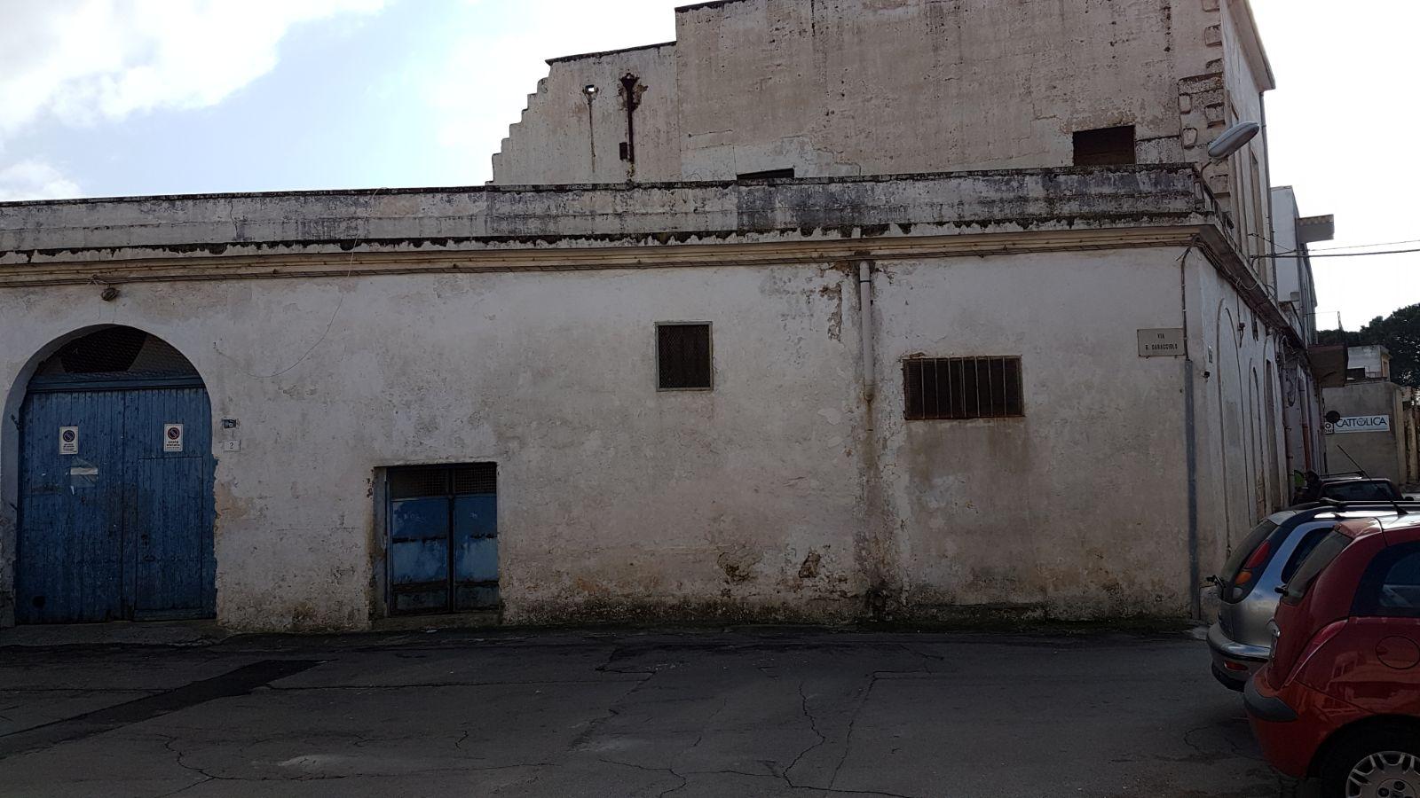 Frantoio d'epoca in ottima zona per investimento (Taurisano)