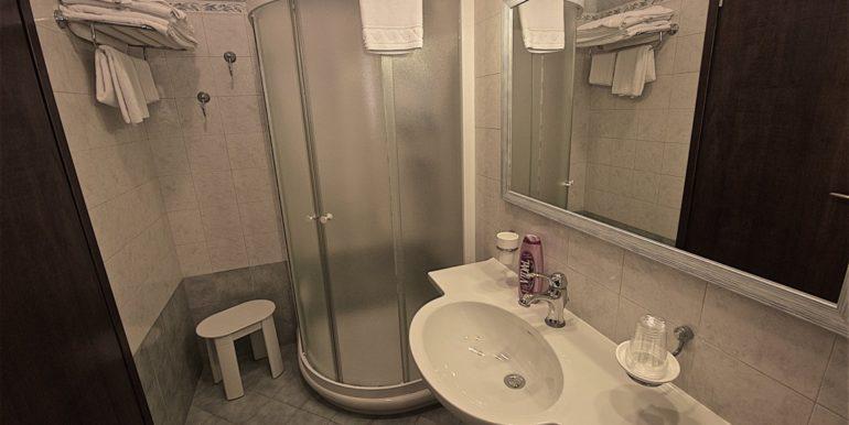 bagno camera quadrupla standard_DSC4732 (FILEminimizer)