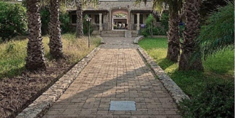 giardino e corridoio Salento